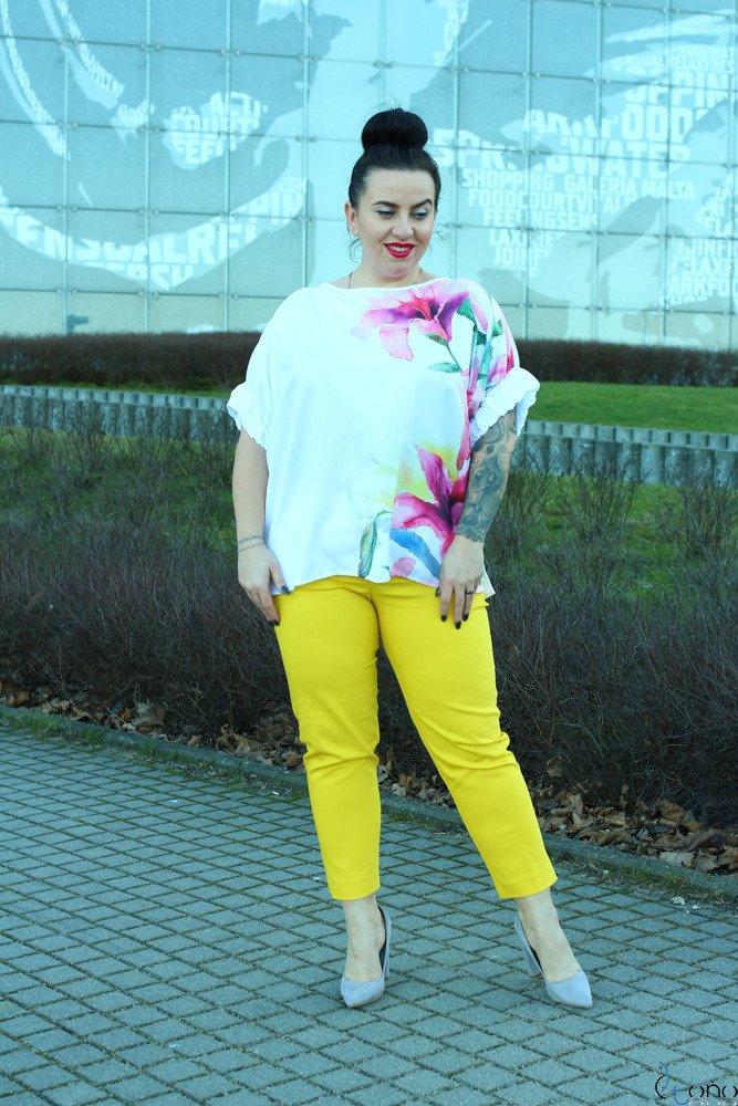 Biało-różowa Bluzka FLORIZ Plus Size