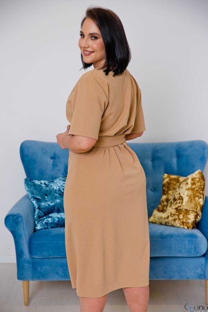 Camelowa Sukienka FERRITA Plus Size