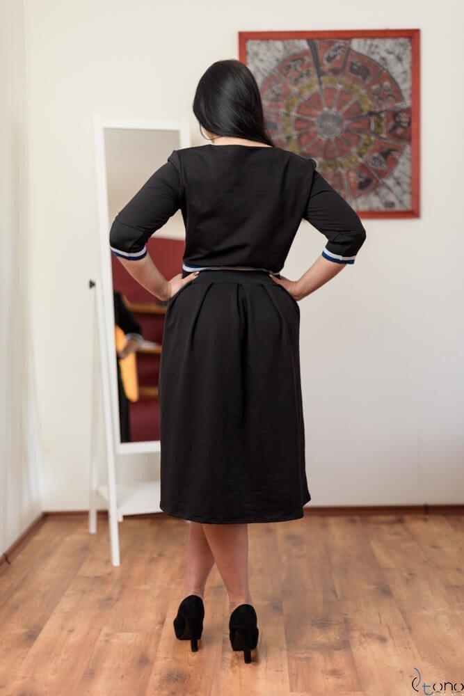 Czarna Sukienka TEVEZ Plus Size