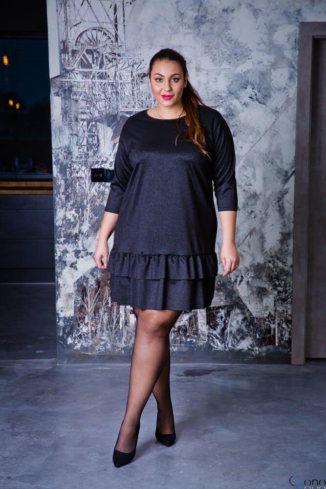 Czarna Sukienka TUSYA Falbanka Plus Size