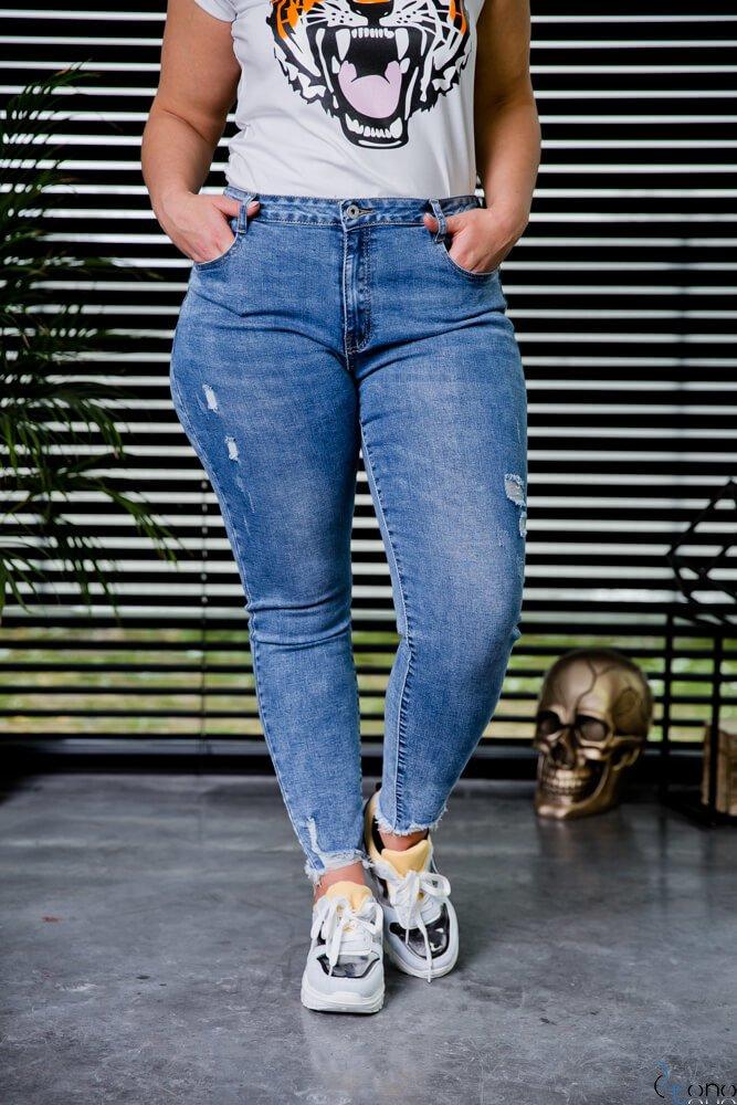 Niebieskie Spodnie AVENUE Jeansy Plus Size