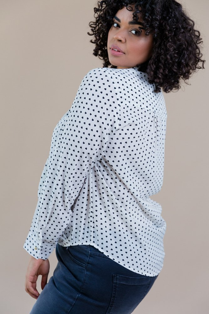 Biała Koszula U20 Kopertowa Serduszka Plus Size