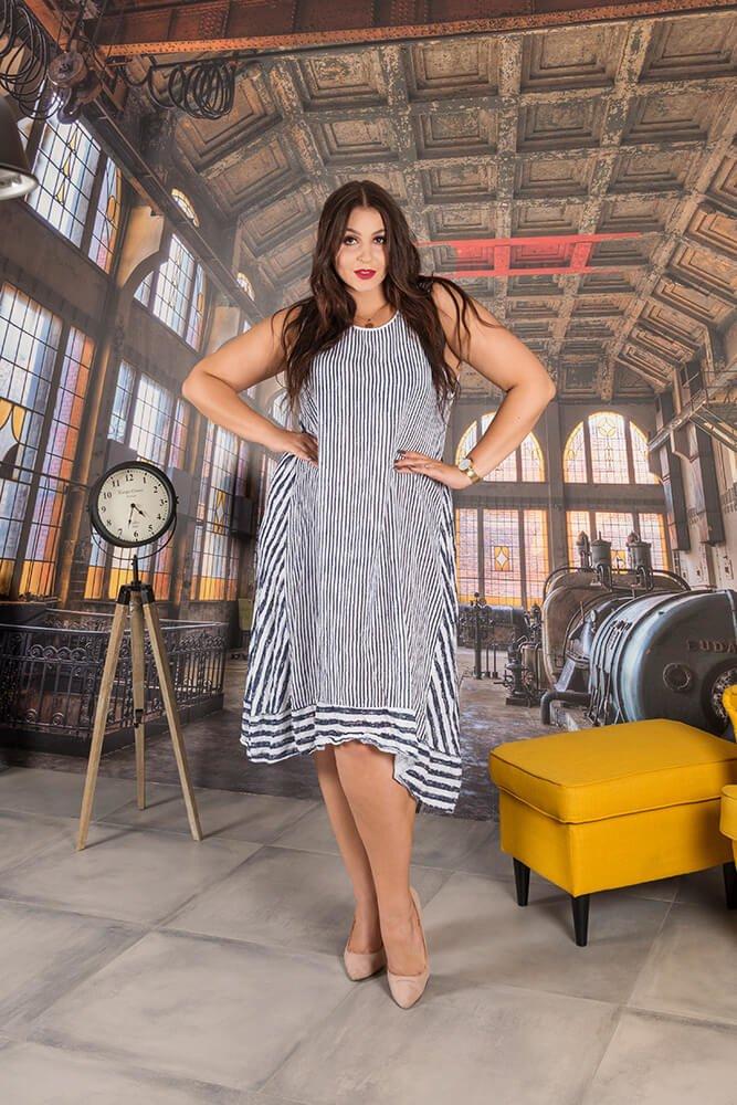 Biała Sukienka RIMINI Pasy Maxi Plus Size