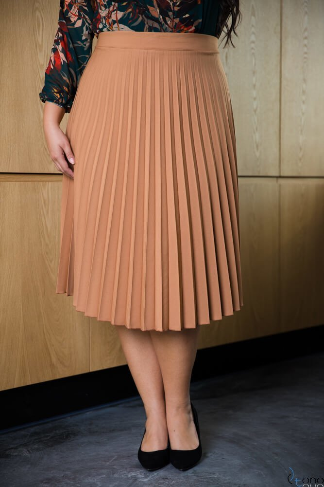 Camelowa Spódnica CARAMELLA Plisowana Plus Size