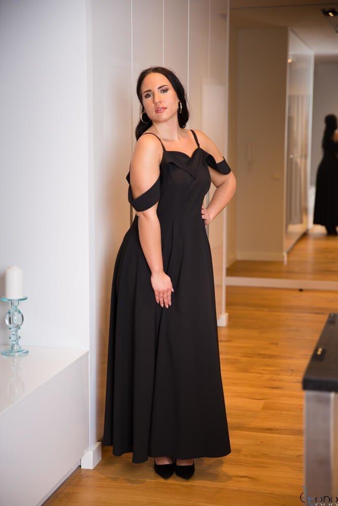 Czarna Sukienka CLIVER Plus Size