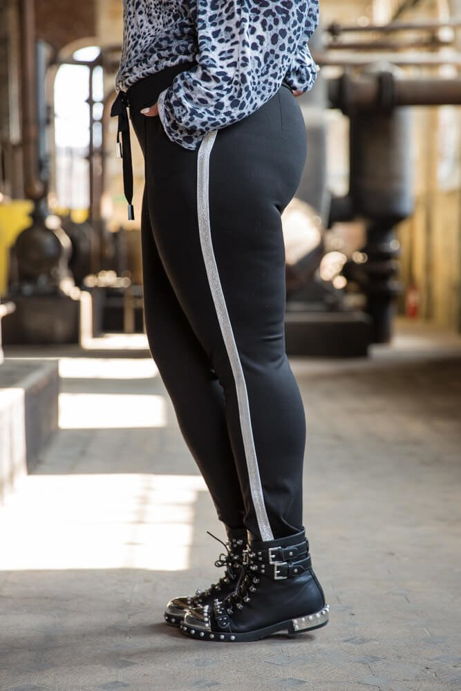 Czarne spodnie damskie DJAMA Plus Size