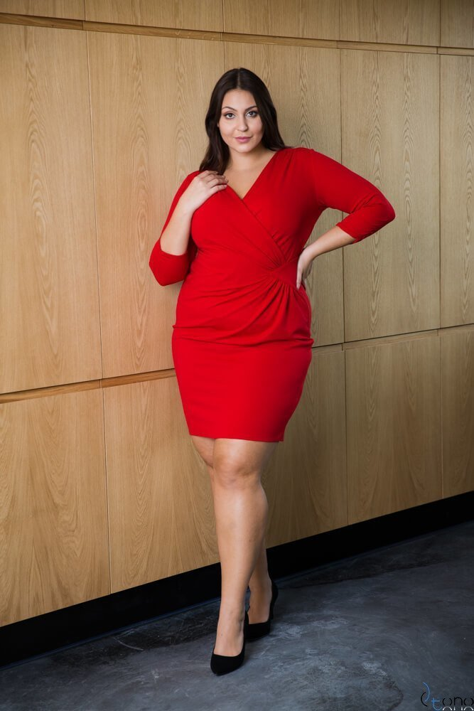 Czerwona Sukienka VISPER Kopertowa Plus Size