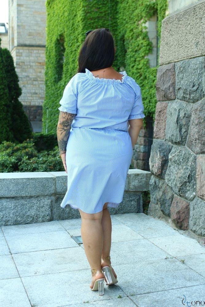 Niebiesko-Biała Sukienka ALINE Plus Size Wzór 2