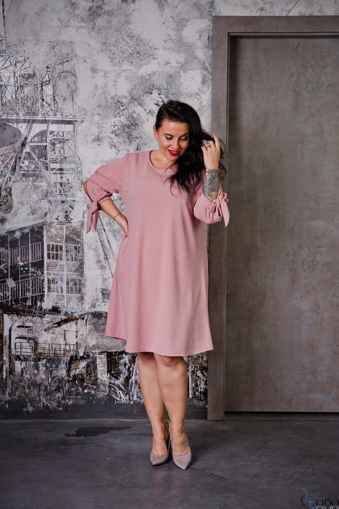 Różowa Sukienka MERCY Plus Size
